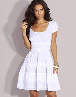 on veut la robe d eva mendes les filles du web. Black Bedroom Furniture Sets. Home Design Ideas